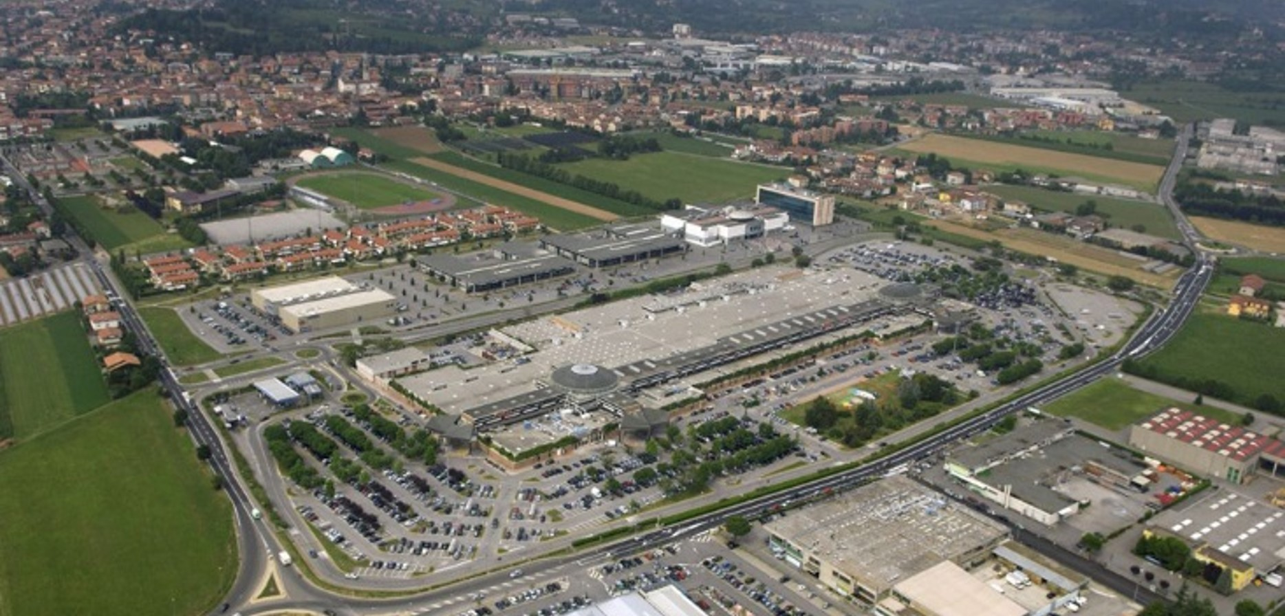 Systematica-Curno Shopping Centre-Aerial View.png